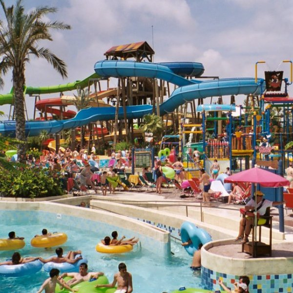 Csúszdapark - Water World